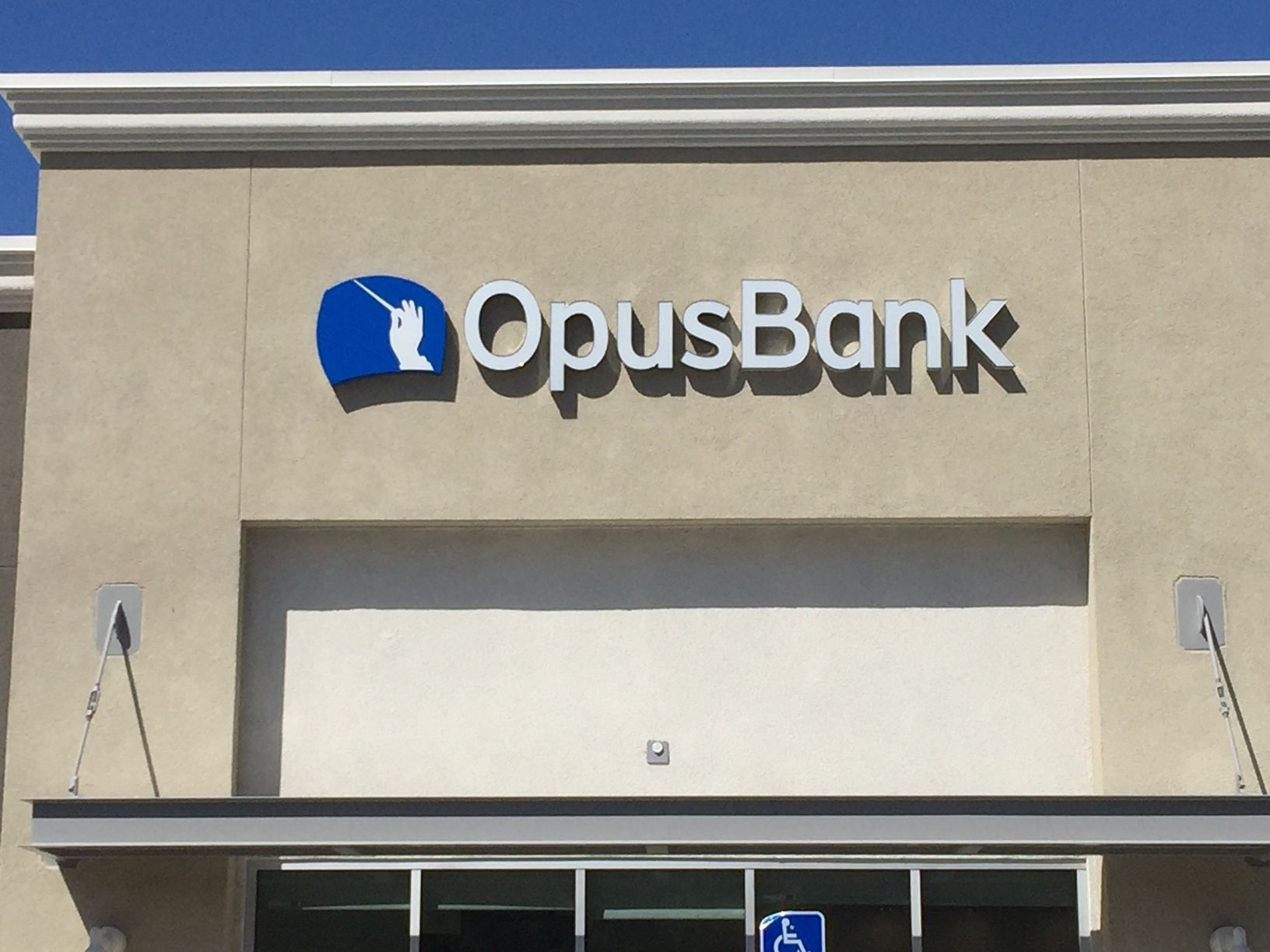 Signs for Banks & Financial Institutions