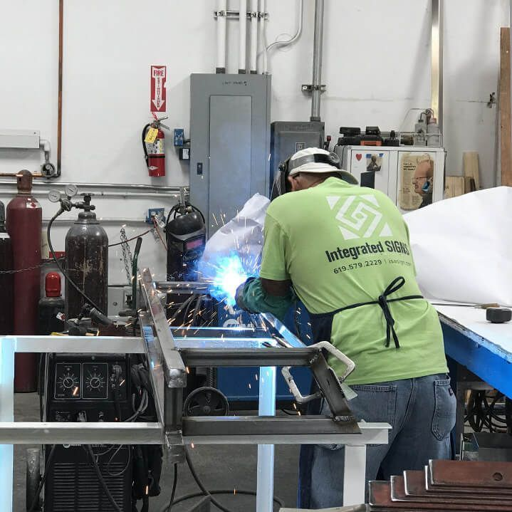 Integrated Signs Welding Process